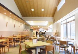 地元野菜を中心としたビュッフェレストランのじねんと食堂の店内