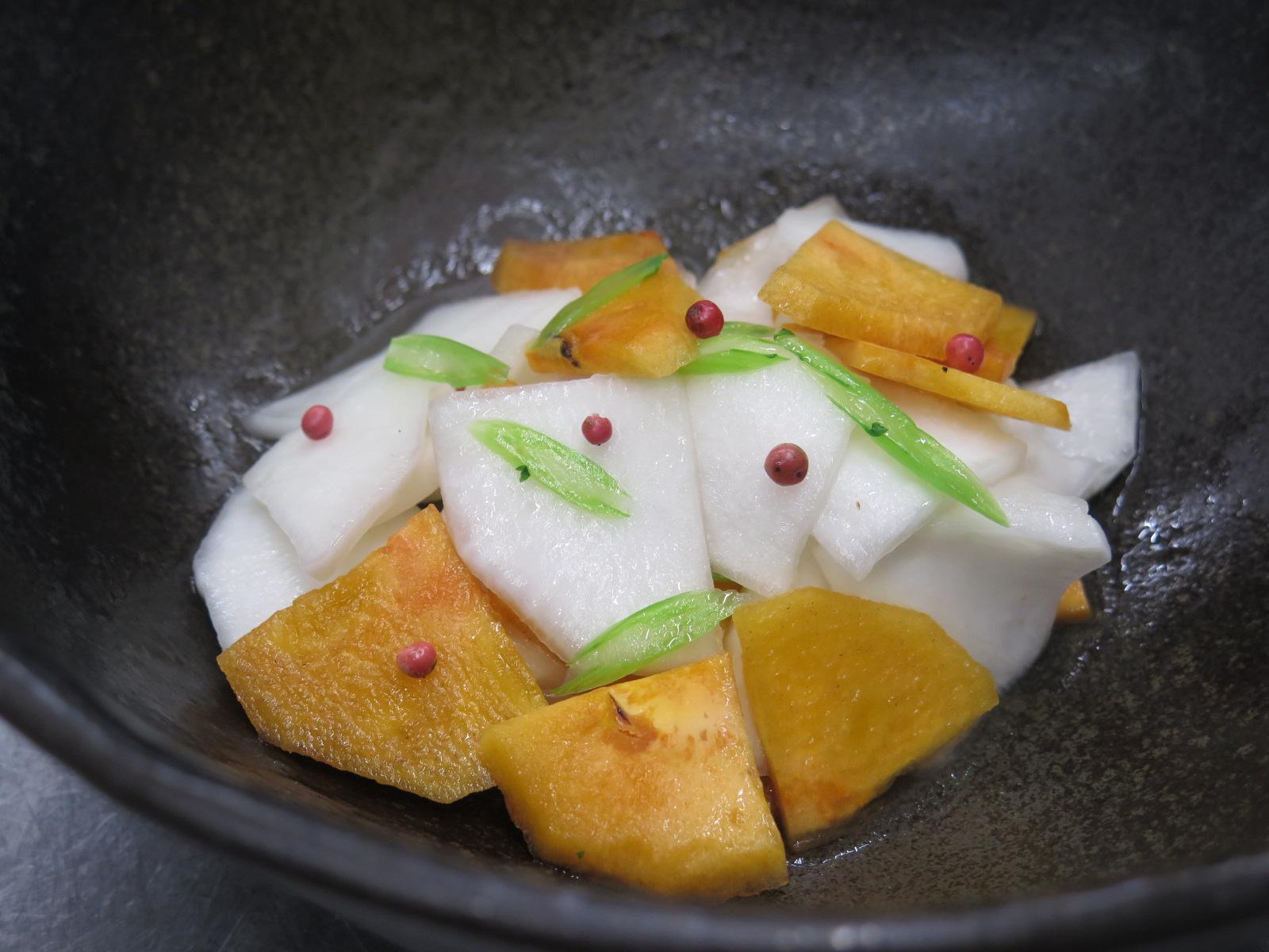 蕪と柿のマリネ