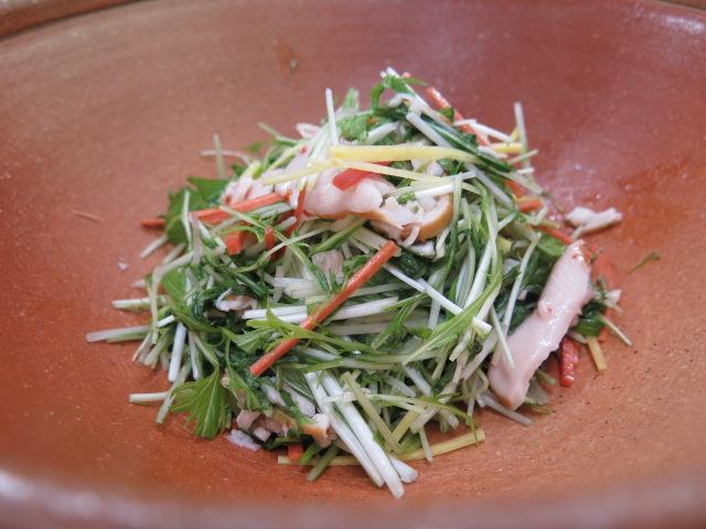 水菜とスモークチキンのサラダ