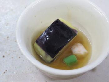 蒸しなすと海老の冷やし生姜餡かけ
